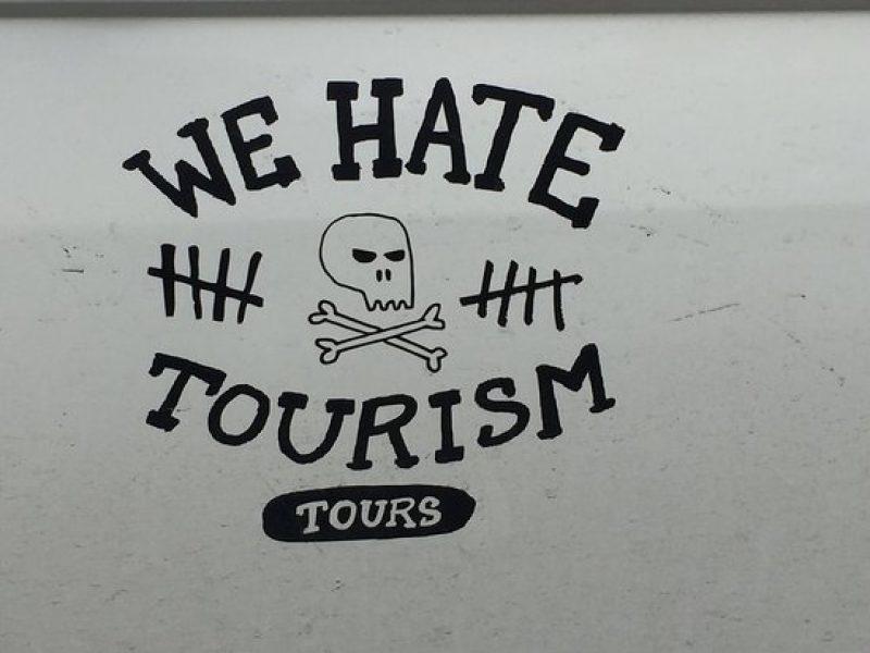 Ποιους τουρίστες μισούν οι ντόπιοι;