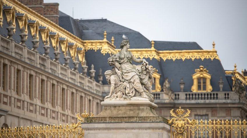 Τα 10 πιο εντυπωσιακά παλάτια του κόσμου