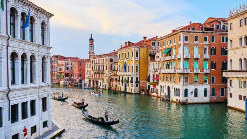 7 ευρωπαϊκοί προορισμοί που πρέπει να επισκεφτείτε πριν εξαφανιστούν